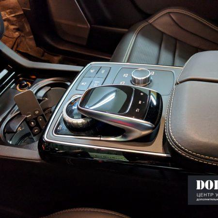 Установка цифрового телевидения и Apple tv4 на Mercedes GLS Comand 5.1 с штатным управлением
