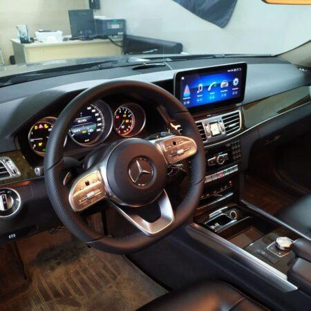Установка руля W222 и монитора Android на Mercedes-Benz E W212