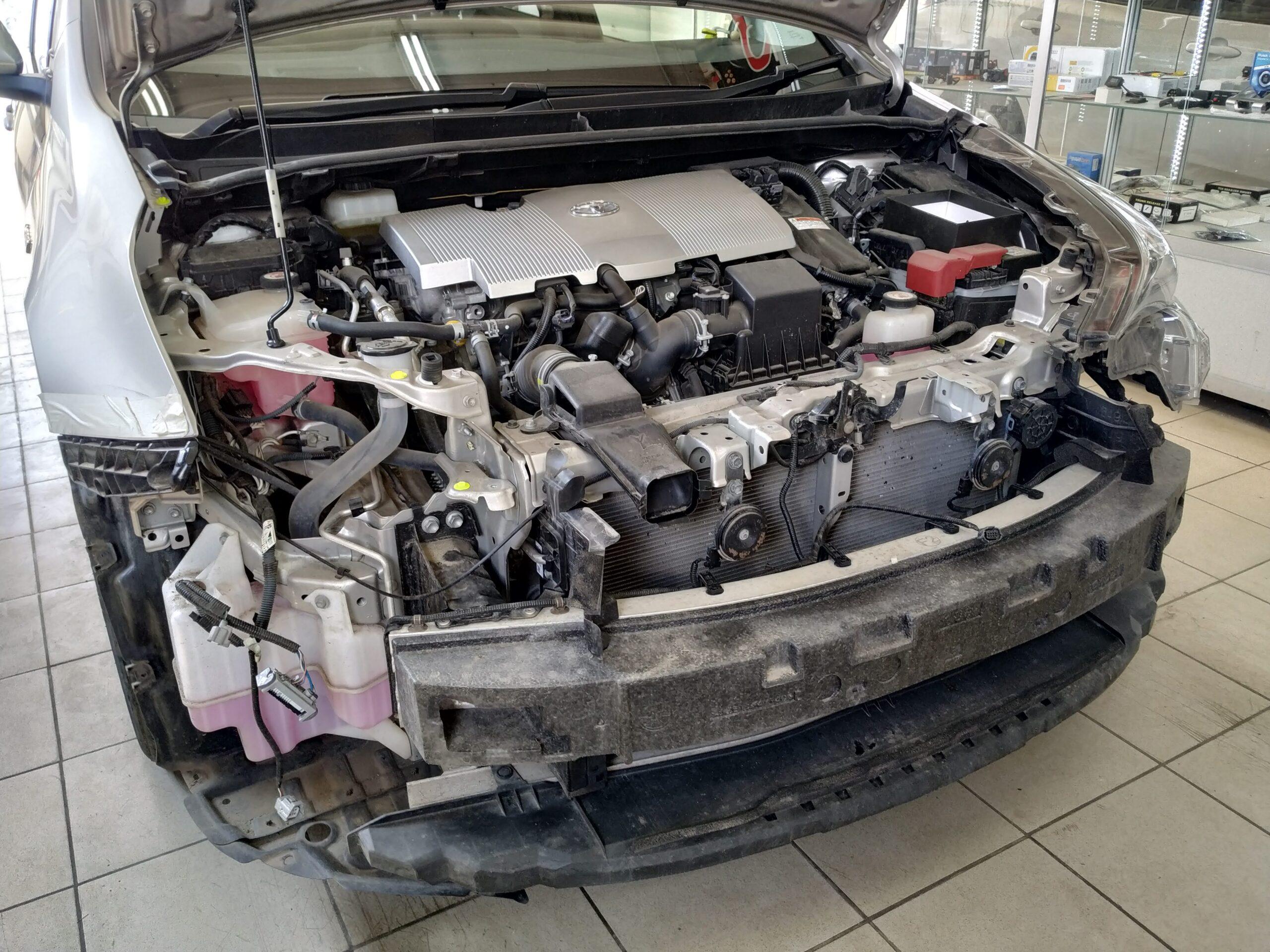 праворукий стг Prius